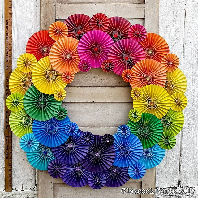 A 28 Custom Folded Paper Pinwheel Wreath Done As A Rainbow Requested By A Collector Smaller Sizes Available In Ou Rainbow Wreath Paper Wreath Pinwheels Paper