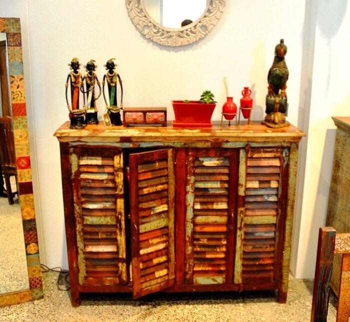 los muebles hechos de persianas