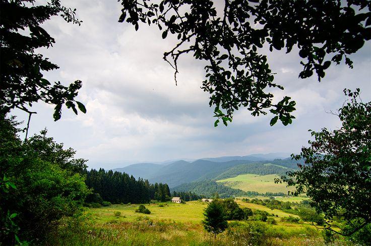 Slovenský Vyšehrad - pohľad smerom do Vyšehradského sedla. Viac vo výlete: http://www.podmevon.sk/vylet/vysehrad-zo-sedla