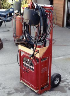 Curt England of Pierre, South Dakota uses Lincoln Electric's AC/DC 225/125 stick welder and tools to make a combination welder and tool cart.