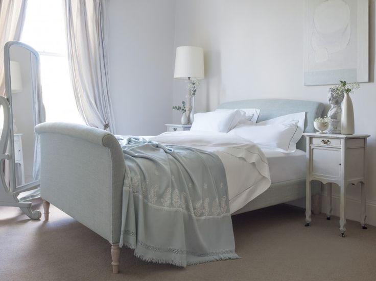 The Argentario king size bed in Pistachio Dexter's Linen, €1.360