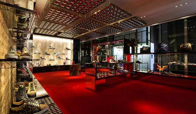 クリスチャン ルブタンがメンズ旗艦店を銀座にオープンChristian Louboutin