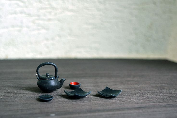 A set of Japanese tableware, 1/12 Dollhouse Miniature Scale by Galchi on Etsy