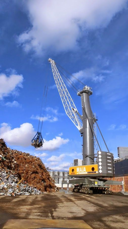 Liebherr - LHM 550 operating in the Netherlands