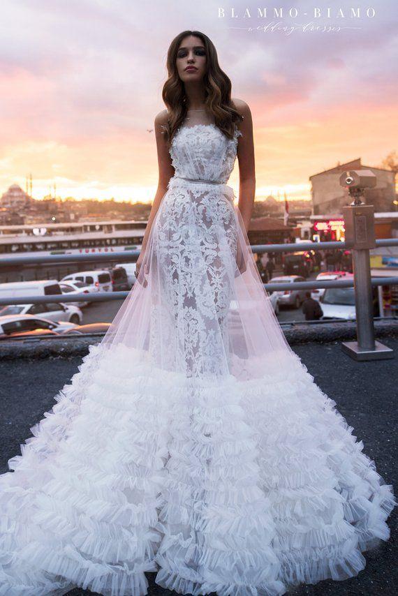 Bruiloft jurk VEILAR met kant underdress TILA met lange trein | Etsy