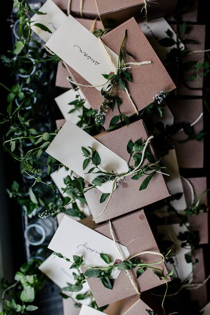 Bringing a little bit of the outdoors in this holiday makes for beautiful wrapping. #HolidayPinParty