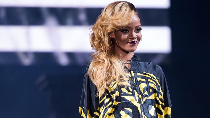 She's a global pop icon, they are G20 leaders. So what happened when Rihanna tweeted some of the world's most powerful men to talk about their commitment to education in the developing world?Well, some of them responded and their exchanges are there for us all to see on social media.   #Entertainment #Art