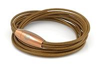 Leren armband, met magneetsluiting.