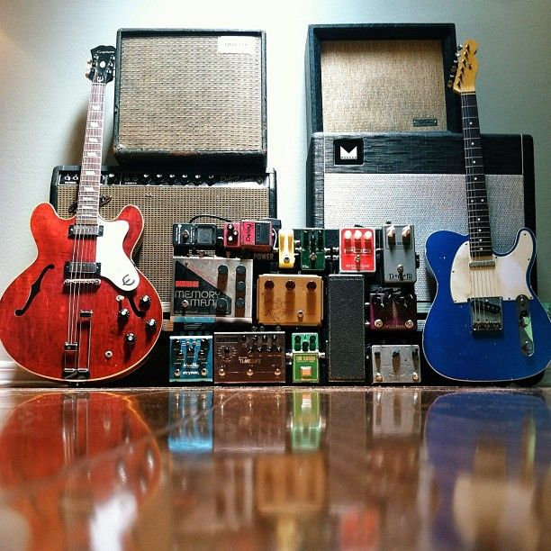 @iampatrickchin's amazing setup. Morgan amp, Fender Telecaster and a very nice pedalboard full of goodies.
