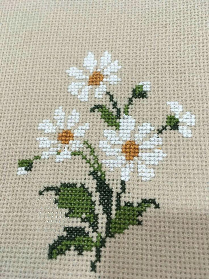Wildflower daisy cross stitch.