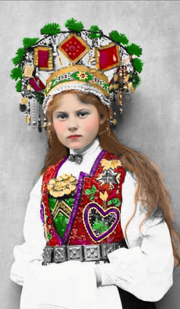 Norwegian bride from 1900 wearing a Bride's Crown - read about folk wedding dresses
