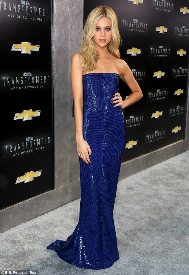 Nicola Peltz dazzled in a slinky blue gown at the Transformers premiere in New York http://dailym.ai/1yRcHP8