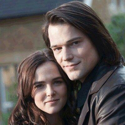 Danila Kozlowsky & Zoey Deutch ( Dymitri & Rose)