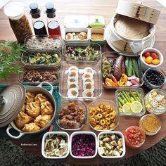 ❁.*⋆✧°.*⋆✧❁ こんにちは〜。 いよいよ長〜い夏休みがスタートしましたね ・ 夏休みの作り置きおかずは 日々の長男のお弁当&私と娘のおうち昼ごはん用です。 (酢の物と冷凍物以外は2〜3日で食べ切りです) ・ 1.ごぼうと人参の鶏ロール 2.牛肉と椎茸のピリ辛炒め 3.ニラつくねの巾着煮浸し 4.つくね種(冷凍保存用) 5.たことブロッコリーのジェノベーゼ炒め 6.アスパラのレモンハーブ炒め 7.ちくわのカレー磯辺炒め 8.小松菜と玉葱とブロッコリー茎の麺つゆ黒胡椒炒め 9.いろいろ野菜の焼き浸し 10.長芋のしょうゆ麹わさび漬け 11.味玉(ゆずポン酢) 12.ちぎりこんにゃくの梅煮おかか和え 13.黒豆のあっさり煮 14.プチトマトのはちみつマリネ 15.紫キャベツの中華ナムル 16.大根と塩昆布のナムル 17.れんこんと人参と大根の甘酢漬け(柚子風味) 18.いちご蒸しパン 19.自家製サルサソース 20.自家製トロトロだれ(きのこと高野豆腐) 21.自家製ごまだれ 22.自家製麺つゆ 23.自家製白だし 24.自家製ふりかけ(くるみピリ辛ラー油) ・…