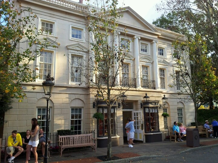 A building in the United Kingdom at Epcot.