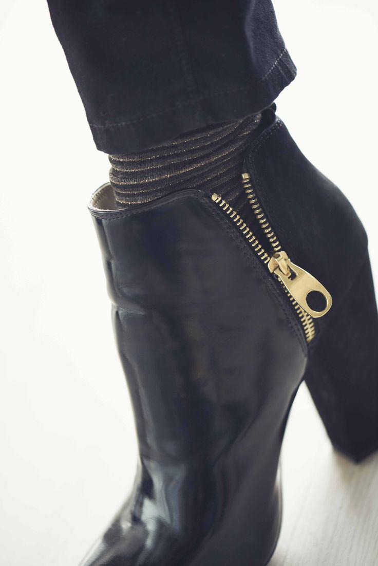 Unos zapatos negros que combinarán con todo y que no pueden faltar en tu armario. #Losinfaltables