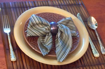 Napkin Folding ~ Bow Photo Tutorial