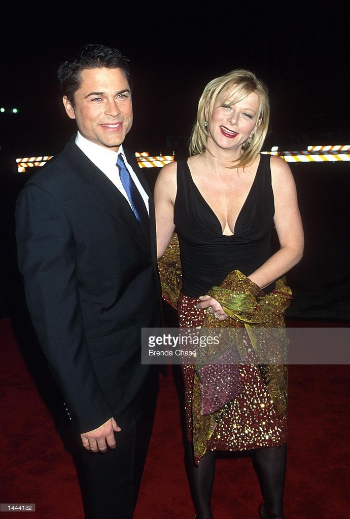 Actor Rob Lowe of NBC''s 'The West Wing' poses with his wife, Sheryl at the 26th Annual People''s Choice Awards January 9, 2000 in Pasadena, CA.