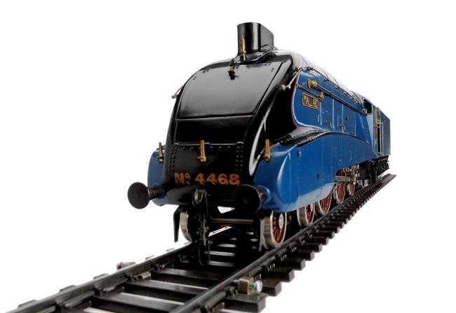 LNEAR A4形(通称:マラード号)
