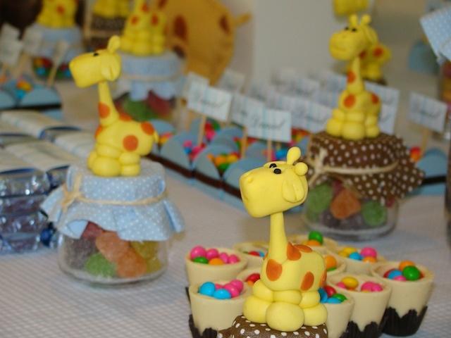 Tema de aniversário de 1 ano do Dani: Girafinhas Divertidas!