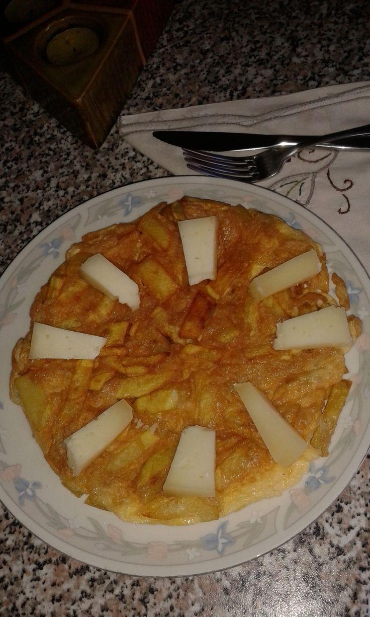 sfouggato and Cretan graviera cheese.