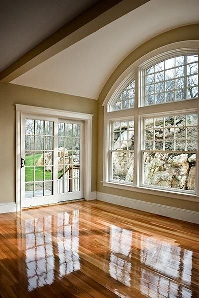 Gorgeous arched panoramic window.