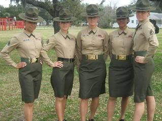 PICTURES: A DAY IN A LIFE OF WOMEN MARINES!