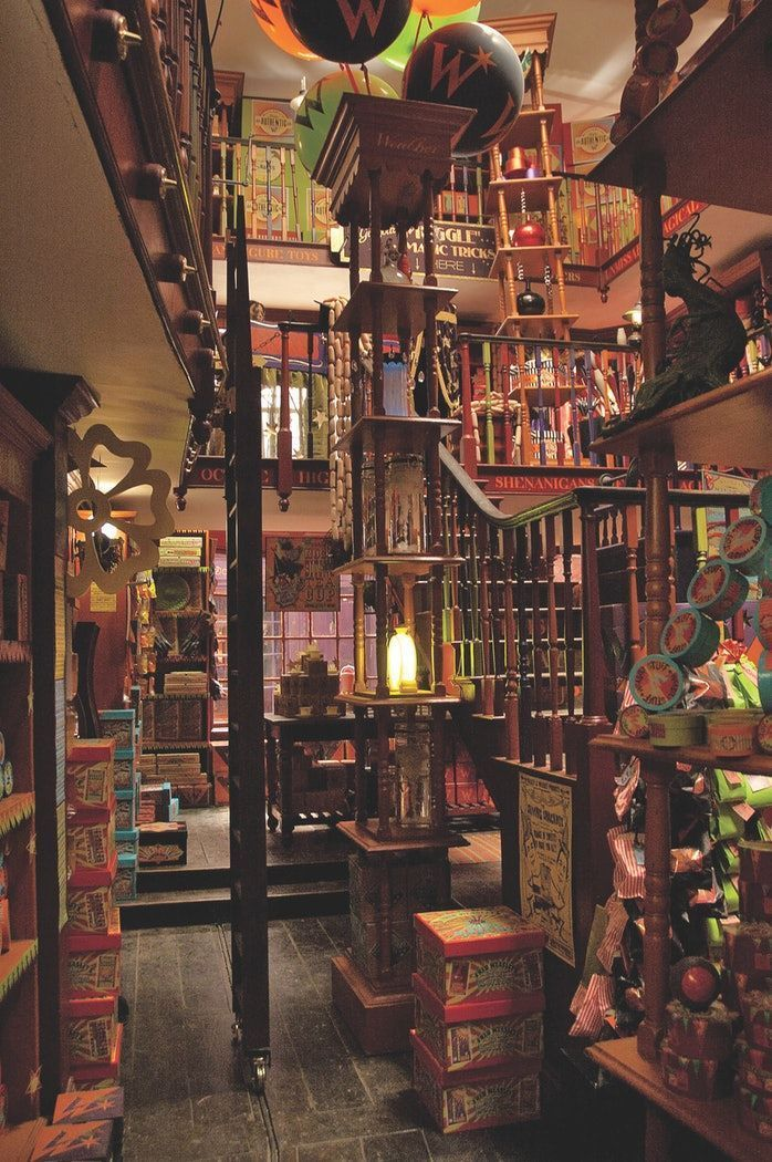 Harry Potter Magical Places From The Films By Jody Revenson Will Show You Details About The Harry Potter Movie Sets You Ne Harry Potter Film Fotowand Bilder