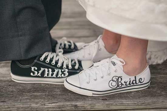 Scarpe da sposa converse bianche. Wedding white converse shoes. #wedding #wedding shoes