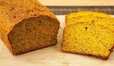 Low Carb Kürbisbrot – gelb & außergewöhnlich lecker Ein geniales kohlenhydratarmes Brot aus Kürbis. Du wirst es lieben!