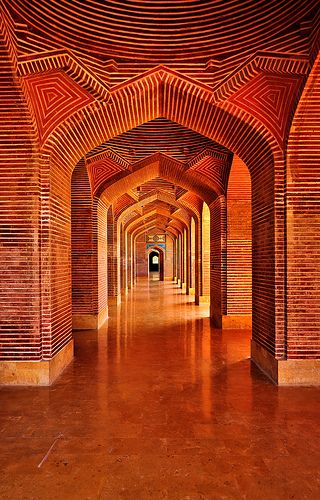 The Shah Jahan Mosque was built in 1647 during the reign of Mughal King Shah Jahan, also known as the Builder King. It is located in Thatta, Sindh province, Pakistan and considered the mosque with the most number of domes in the world — with 99 domes.