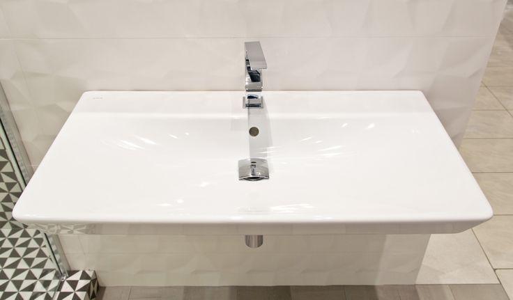 #viverto #InspiracjeViverto #łazienka #bathroom #beautiful #perfect #pomysł #design #idea #nice #cool #inspiration #biel #white #mirror #umywalka #wanna #bath #armatura #wystrójwnętrz #interior #wystrój #interiordesign #tiles #płytki #ceramika #ceramikałazienkowa #bateria #mozaika #wzór #płytki3d #3dtiles #3D