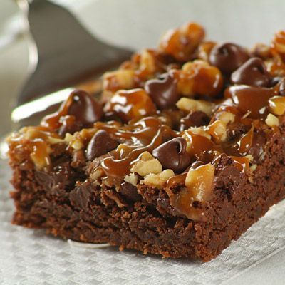 Chocolate Turtle Brownies (Easy; 2 dozen brownies) #chocolate #brownies