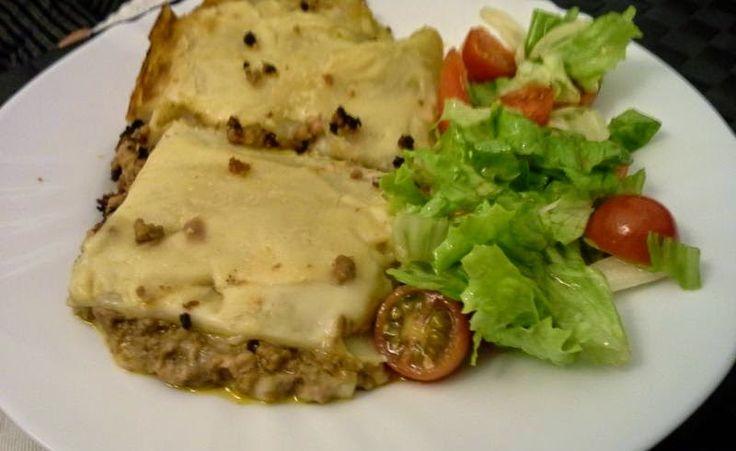 Receta Lasaña boloñesa (italiano original)  http://orecetas.blogspot.com/2014/12/receta-lasana-bolonesa-italiano-original.html