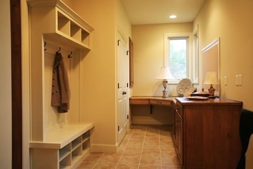 A small office work-space as part of a rear-entry foyer.Work Area, House Ideas, Foyers Drop, Offices Ideas, Plans Laundry, Laundry Mudroom, Laundry Room, Rear Entry Foyers, Rearentri Foyers