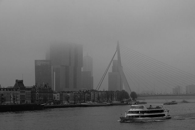 "Foggy Rotterdam skyline with Erasmusbrug and the new Rem Koolhaas building ""De Rotterdam, November 2013 (by Freek Nijenhuis)"