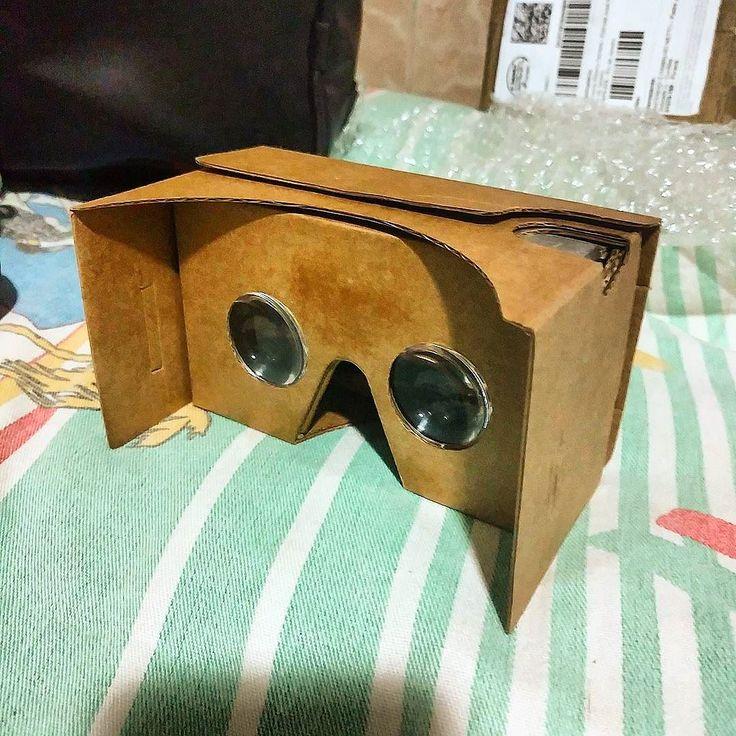 An awesome Virtual Reality pic! Google Cardboard V2 em mãos! Realidade Virtual aqui vou eu! #google #cardboard #v2 #realidadevirtual #virtualreality #vr #motofoto #motorola #motoxstyle by bernardocrvg check us out: http://bit.ly/1KyLetq