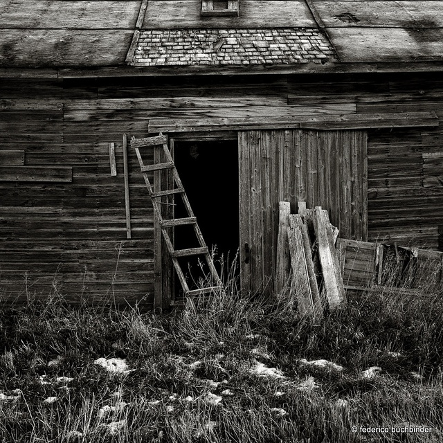 *Abandoned old barn - beautiful textures
