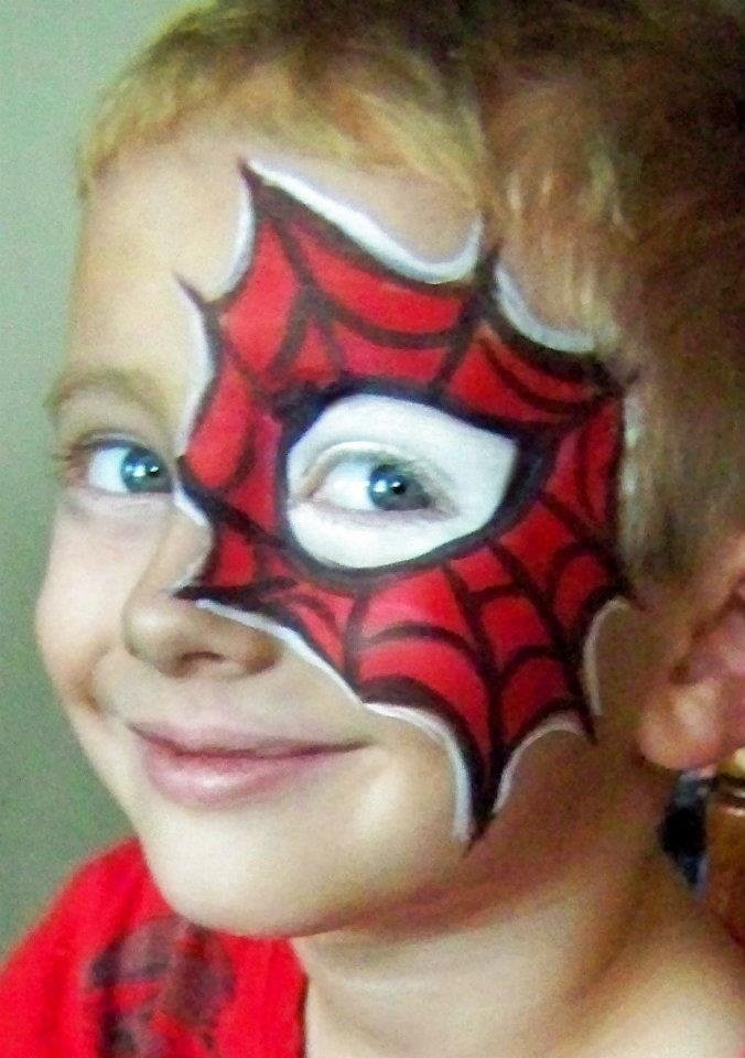 spiderman eye. White eye done in Starblend powder (absolutely necessary when working with small boys, they don't like wet paint on the eye). Tag red for background. DFX black and white for details.