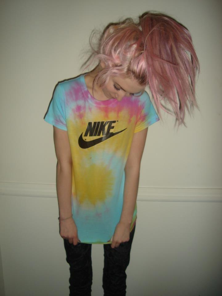 I like the hair but that shirt is a nonononono