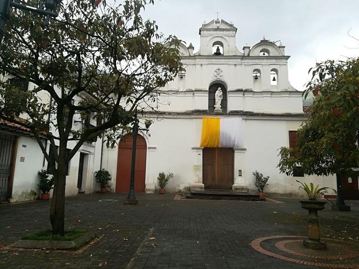 Iglesia de Nuestra Señora de Las Aguas, Bogotá.  Visita: www.encontrastelacandelaria.com #EncontrasteLaCandelaria #Bogotá #Colombia #Candelaria Fotografía tomada por: Lorena Correa.