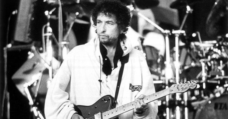 How Bob Dylan and Daniel Lanois Made 'Time Out of Mind'  ||  Daniel Lanois and others who worked on Bob Dylan's 'Time Out of Mind' look back at the rocky sessions that produced the 1997 masterpiece. http://www.rollingstone.com/music/news/bob-dylan-daniel-lanois-on-time-out-of-mind-sessions-w505661?utm_campaign=crowdfire&utm_content=crowdfire&utm_medium=social&utm_source=pinterest