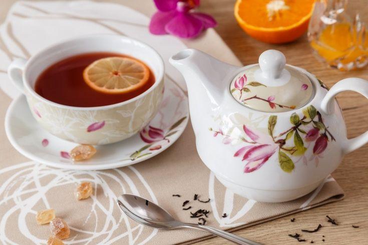 Konvička a hrneček v jednom vám usnadní servírování čaje. Ať už pro vás nebo návštěvy. Máme k němu pro vás recept na brusinkovo zázvorový čaj proti nachlazení.