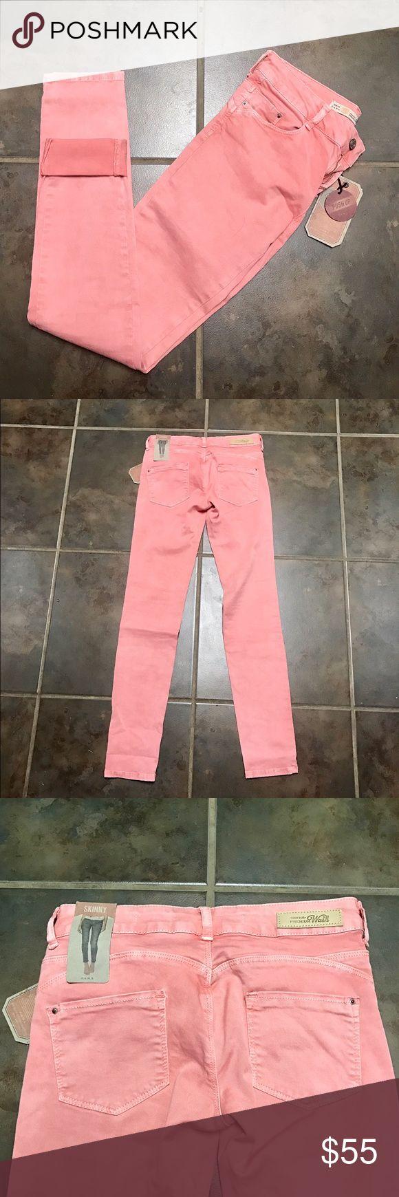 Zara premium wash pinkish-nude jeans. NWT! Zara premium wash skinny pinkish-nude jeans. NWT! Size 4 Zara Jeans Skinny