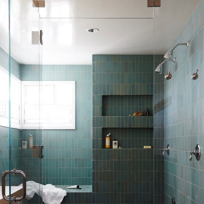 Pretty tile - contemporary application on the vertical