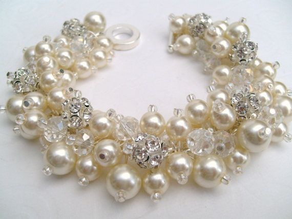 Bridal Jewelry Wedding Pearl Bridesmaid Bracelet by KIMMSMITH, $23.00