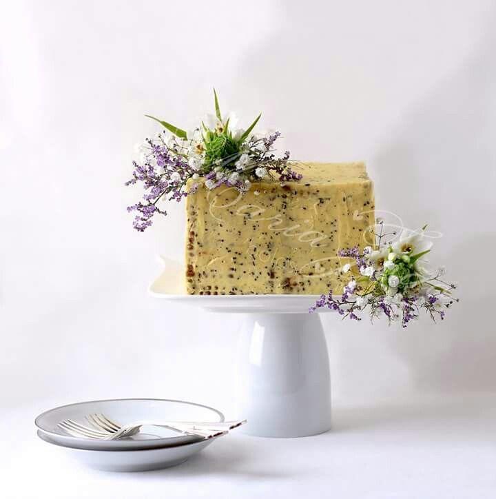 Elegant cookie cake  Mother's Day  by Maria João Bolos Artísticos (www.MariaJoaoBolosArtisticos.com)