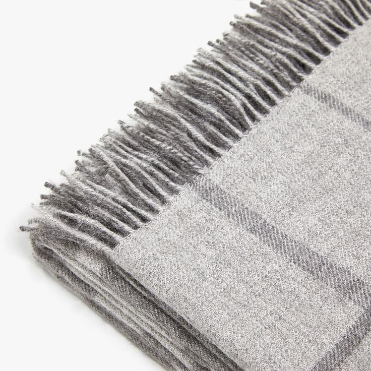 Image 1 of the product EXTRA FINE CHECKED ALPACA BLANKET