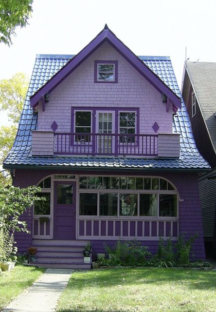 cute purple house - Would love a house in this style, but maybe not quite as purple ^_^ Adria