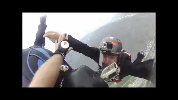 """Low Hybrid Skydive 4500 feet. Includes a parachute """"2 Out"""""""